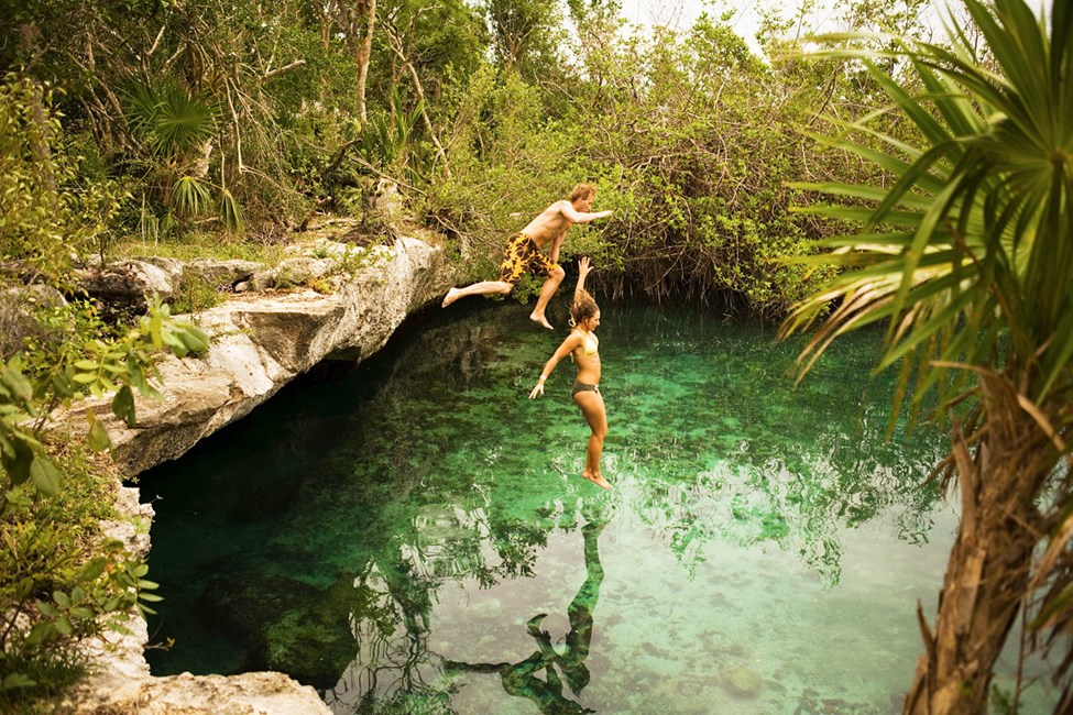 Cenotes - grottor med kristallklart vatten, finns över hela Yucatan-halvön