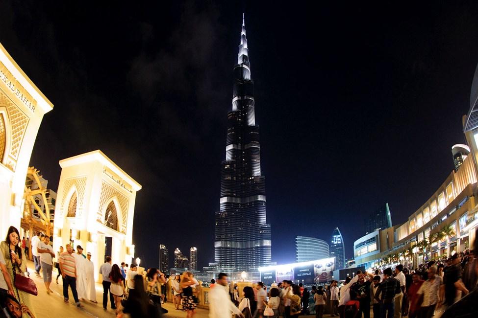 Burj Khalifa är världens högsta skyskrapa