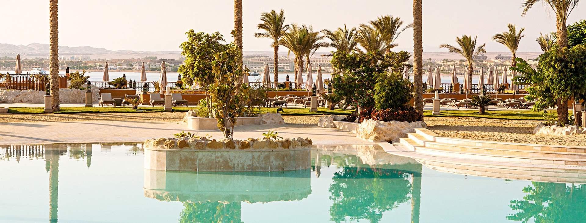 Boka en resa till solsäkra Egypten