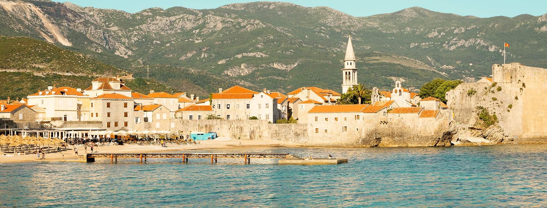 Boka en resa till Montenegro med flyg och hotell