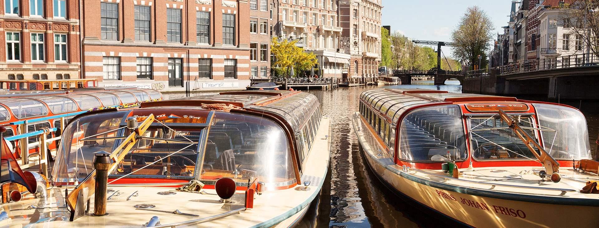 Boka en weekend till Nederländerna med flyg och hotell