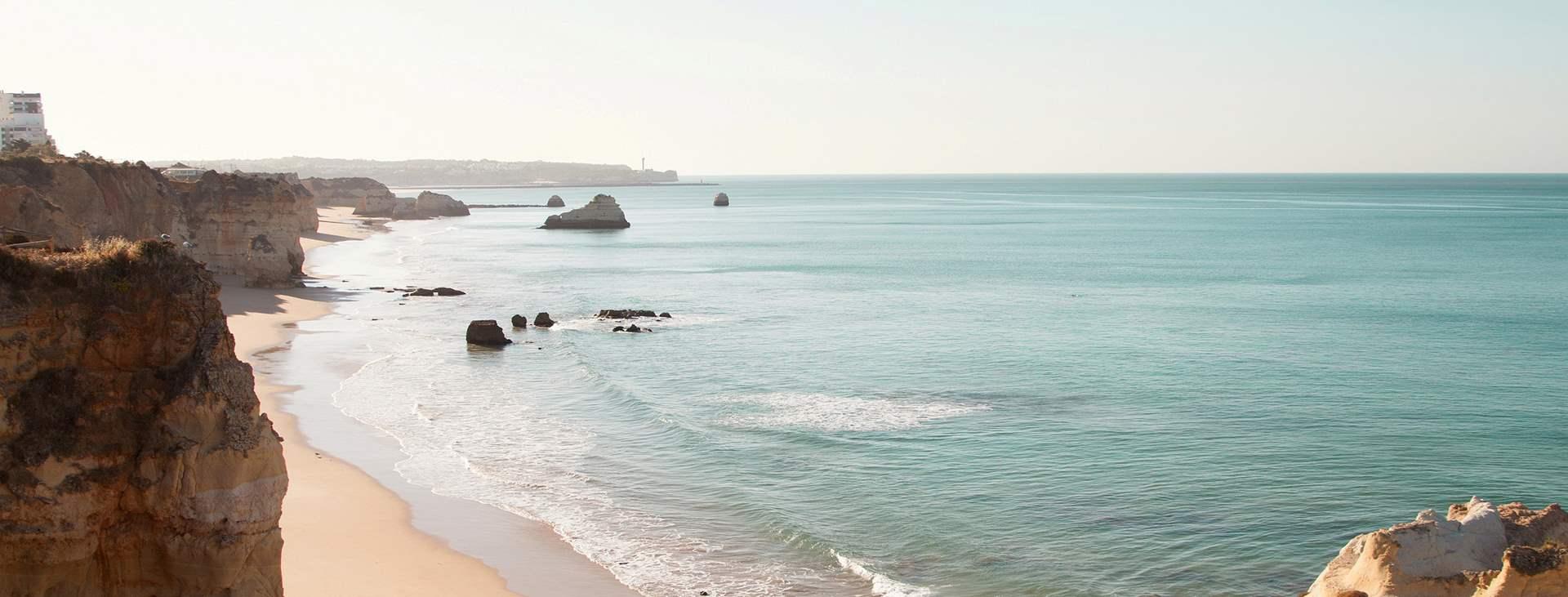 Boka en resa till Portugal med flyg och hotell