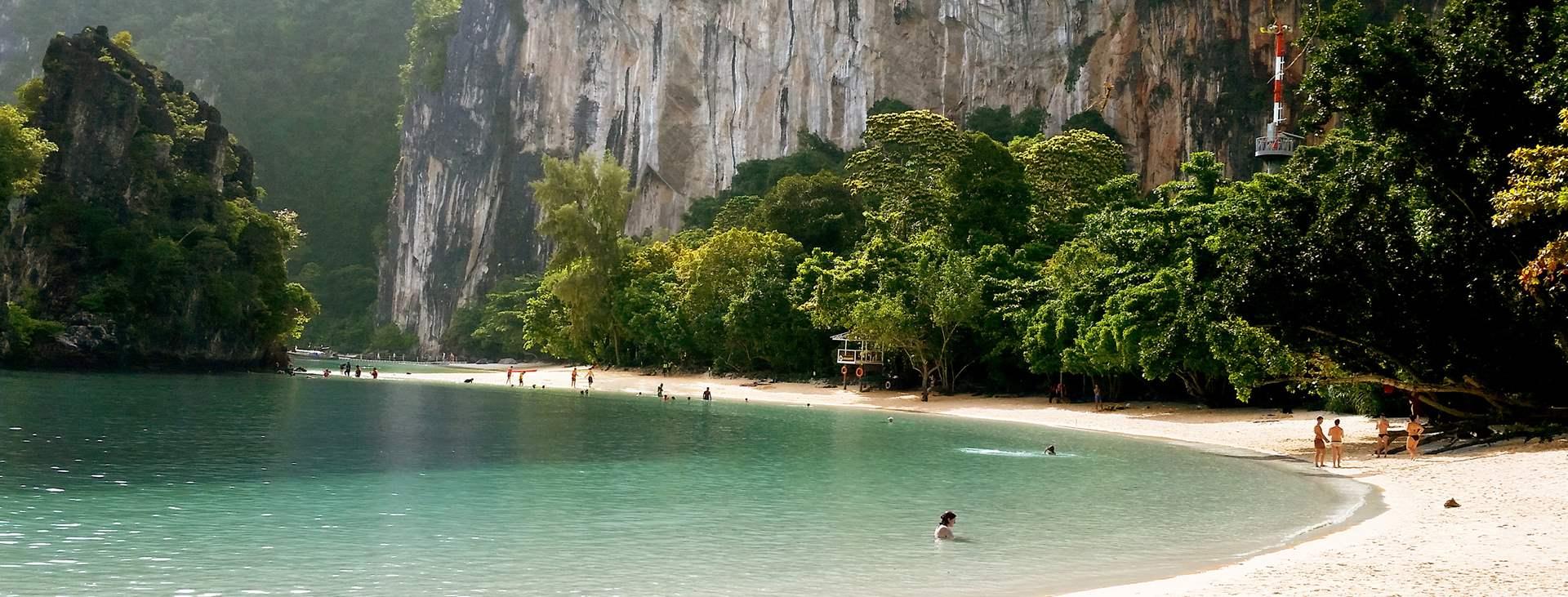 Boka en resa till solsäkra Thailand