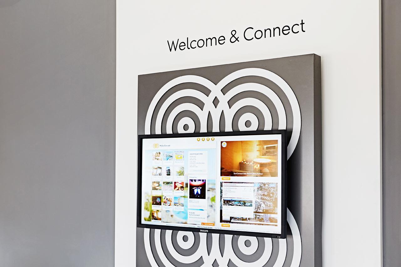 I receptionen finns ConnectWall med inspiration och information om hotellet och dess aktiviteter