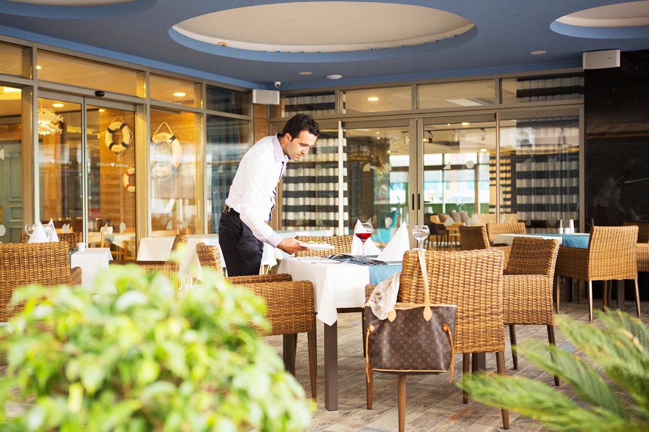 Sunprime Restaurants trevliga uteservering