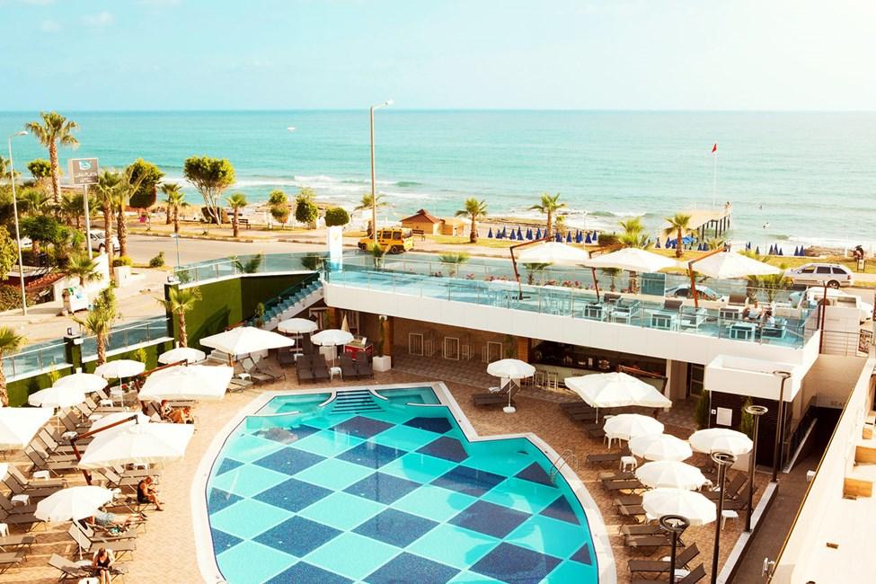 På Sunprime C-lounge bor du nära havet