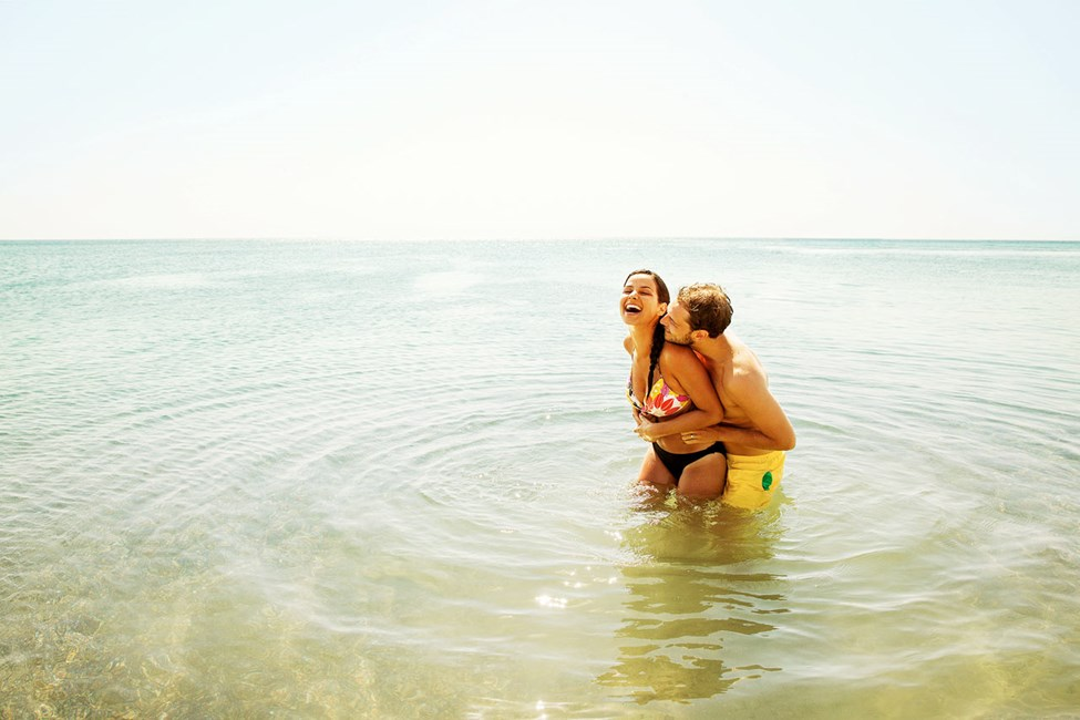 Ett dopp i Medelhavet är svårslaget en varm sommardag.