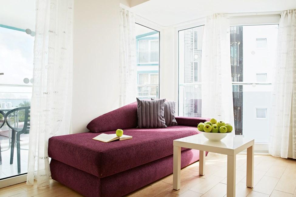 Junior Suite med två rum och balkong.