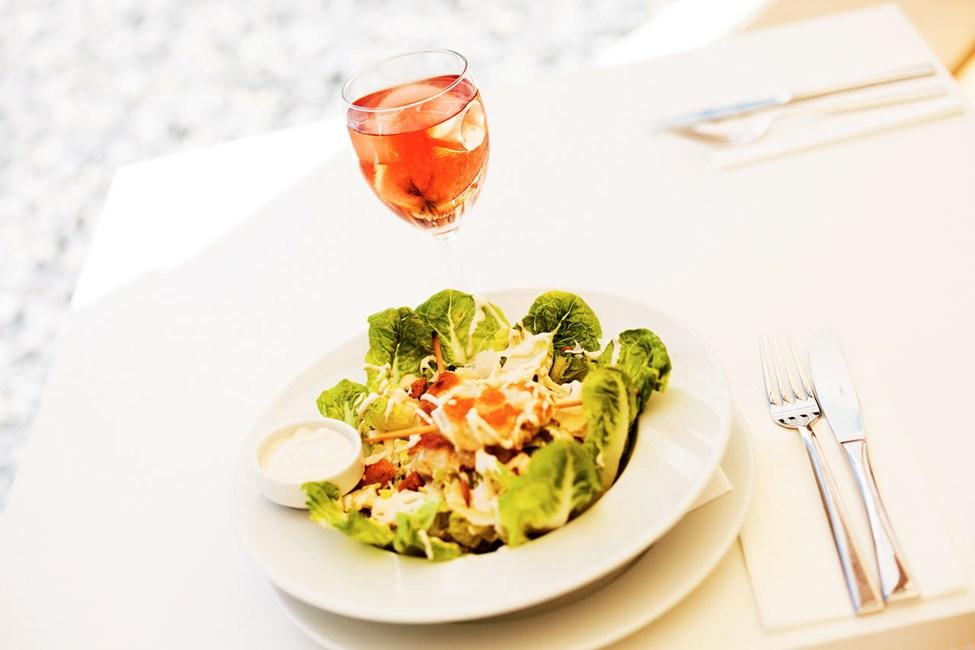 I Sunprime Restaurant serveras vällagade måltider från morgon till kväll
