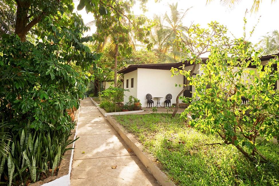 Dubbelrum med terass (vissa med gemensam uteplats) mot trädgården.