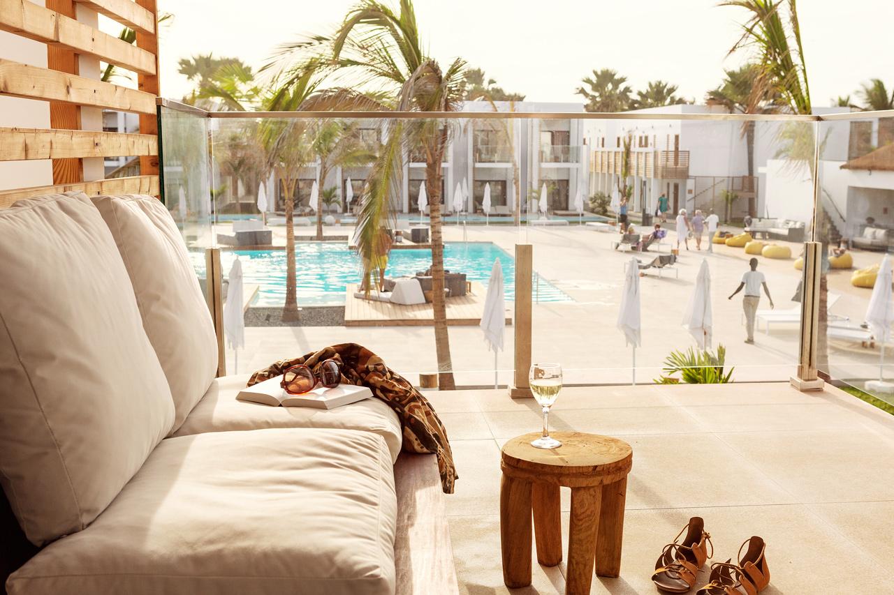 Classic Suite 1 rum, balkong mot poolområdet