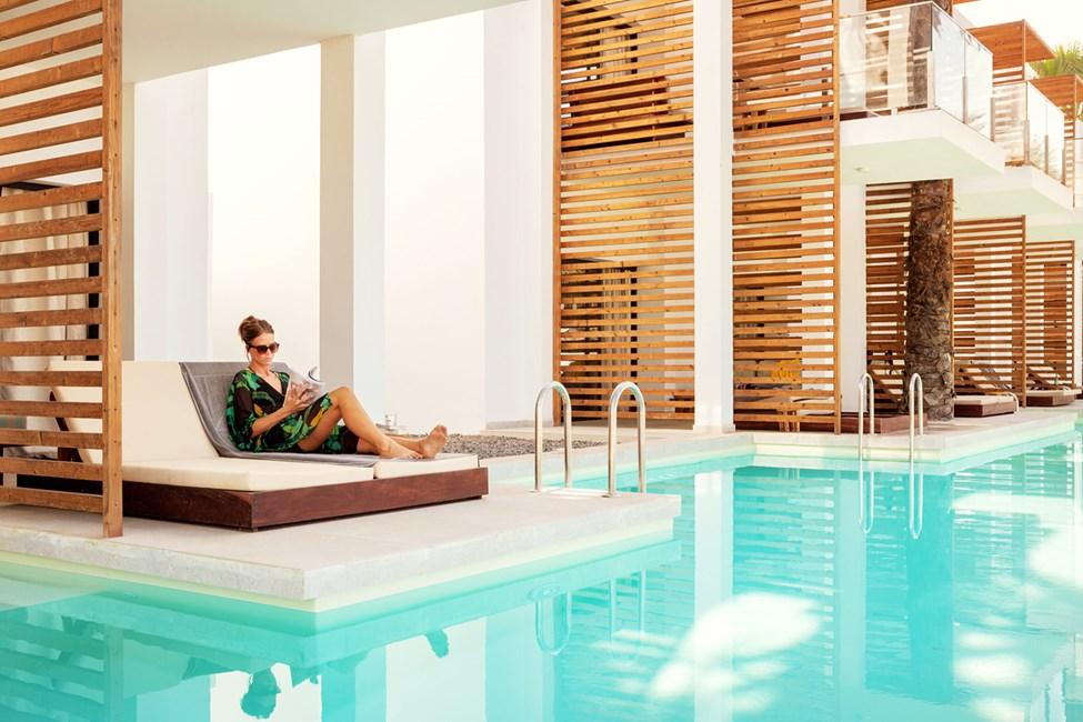 Prime Pool Suite 1 rum, terrass mot havet med direkt access till privat, delad pool