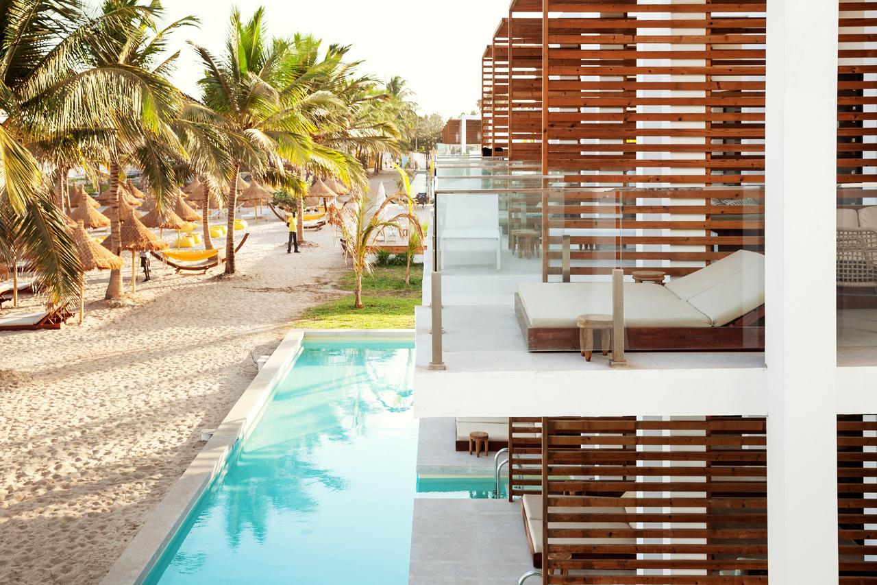 Classic Suite 1 rum, balkong mot havet och Prime Pool Suite 1 rum, terrass mot havet med direkt access till privat, delad pool