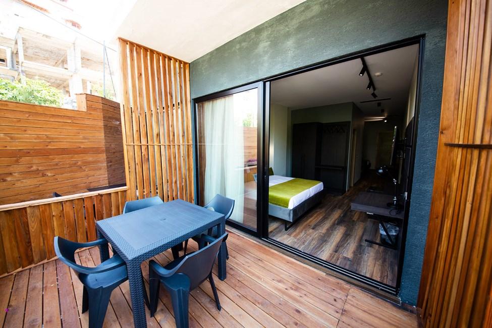 Dubbelrum med balkong, bottenvåning och extrabädd