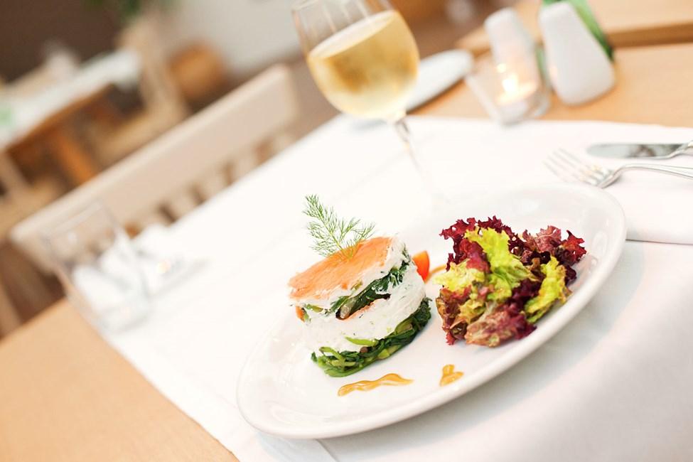 Prime Kitchen & Bar erbjuder vällagad mat både frukost, lunch och middag.