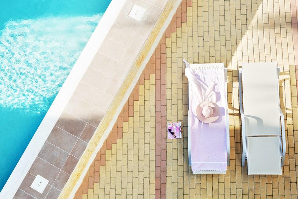 Classic Room terrass med tillgång till privat, delad pool