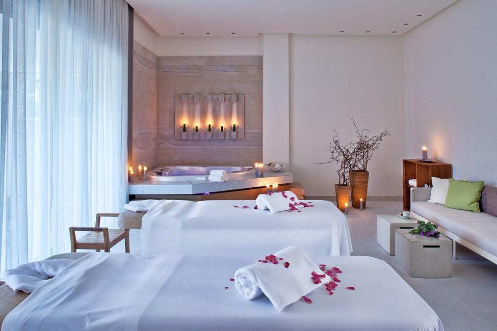 Unna dig en avkopplande behandling i hotellets spa