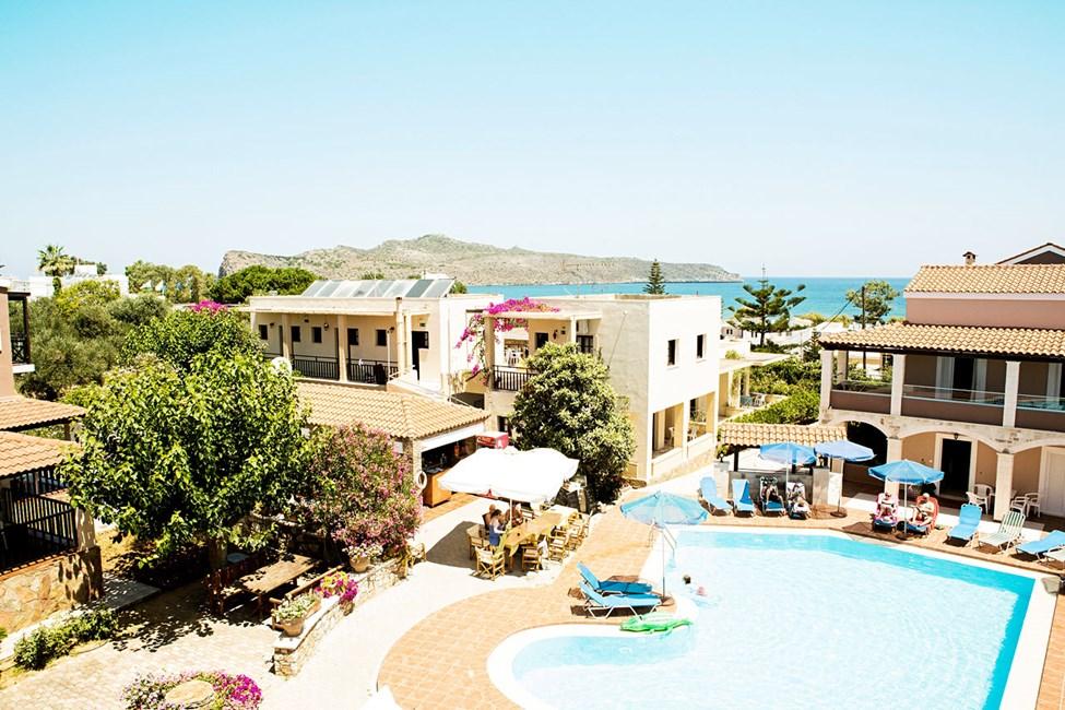 Hotellet gäster är välkomna till poolen på hotell Lilium