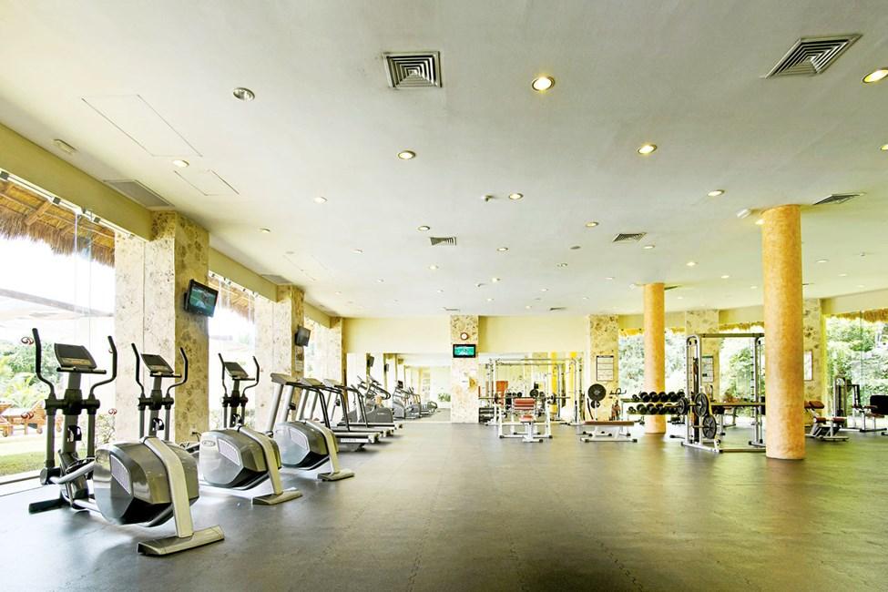 Hotellets välutrustade gym