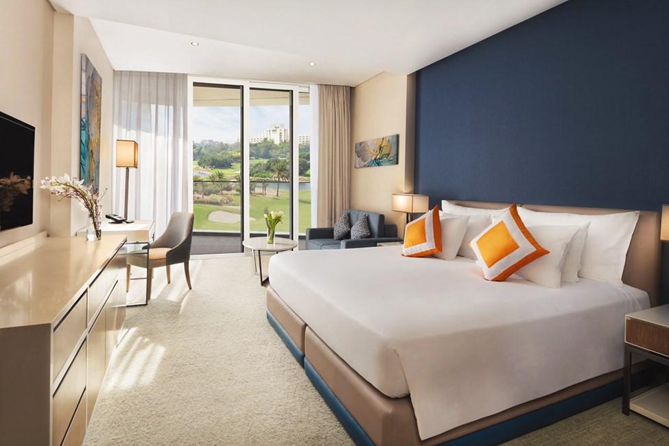 Resort-rum med utsikt mot golfbanan (Course View). Bilden är en illustration och kan komma att ändras.