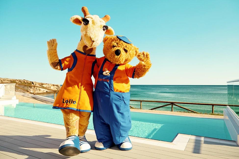 Kom till solen i Grekland och häng med Lollo & Bernie.