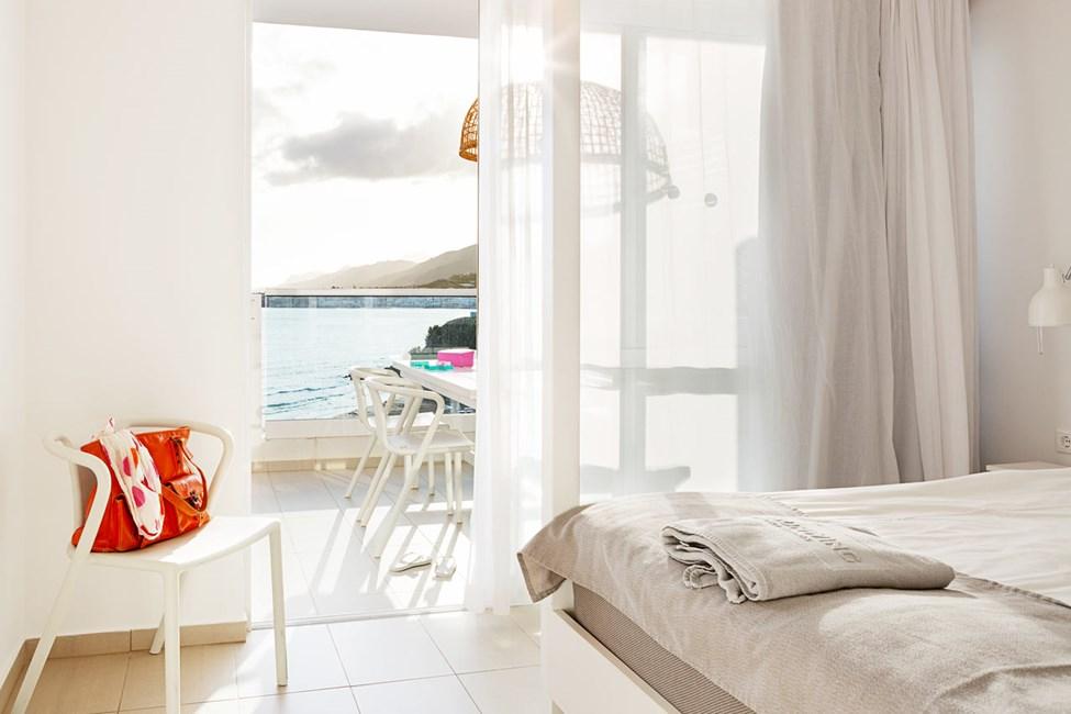 Trerumslägenhet Royal Family Suite för 5 personer, stor balkong med havsutsikt, Afrodite.