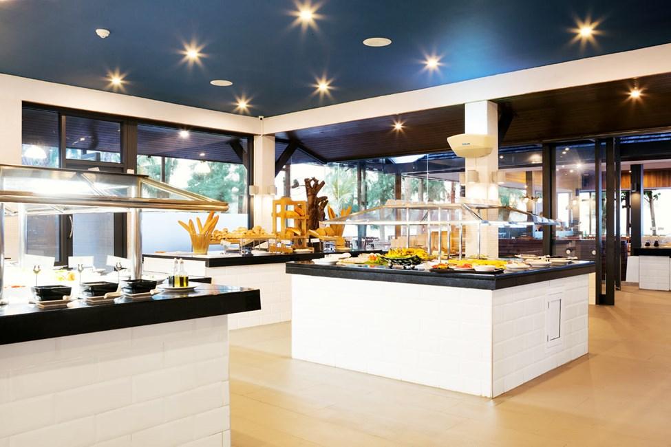 I Piak´s Kitchen hittar du ett stort utbud av mat och dryck.