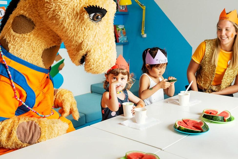 Är du mellan 3-7 år kan du vara med och fira Lollo med ett hejdundrande födelsedagskalas.