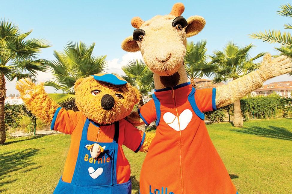 På Waterworld Makadi Beach hälsar Lollo & Bernie dig välkommen