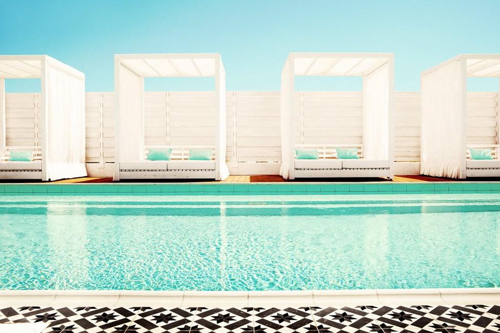 I hotellets lugna spapool kan du koppla av innan eller efter din bokade behandling.