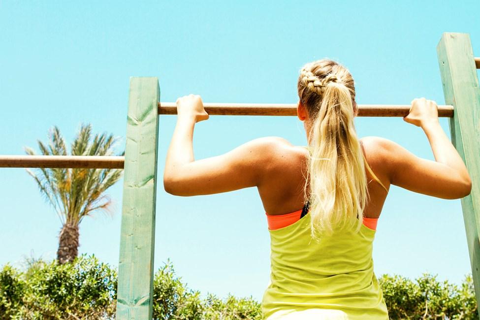 På Sunwing Sandy Bay finns ett utegym där du tränar funktionell styrka under bar himmel.