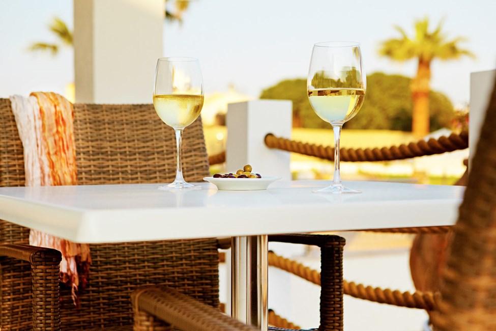 I Sunprime Restaurant är maten vällagad och atmosfären avslappnad. Ägaren driver flera av Ayia Napas bästa restauranger.