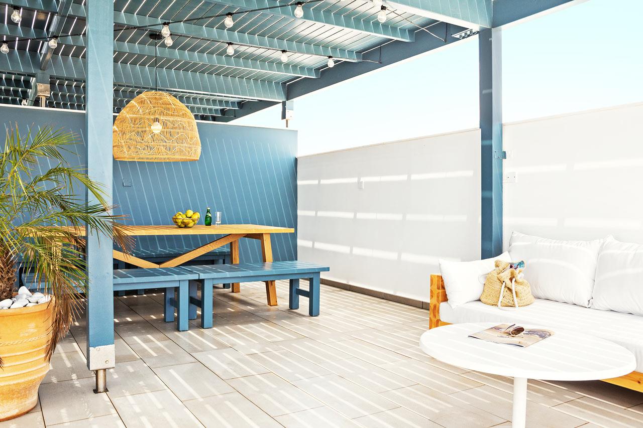 3-rums CLUB SUITE, stor balkong och takterass, båda med havsutsikt.