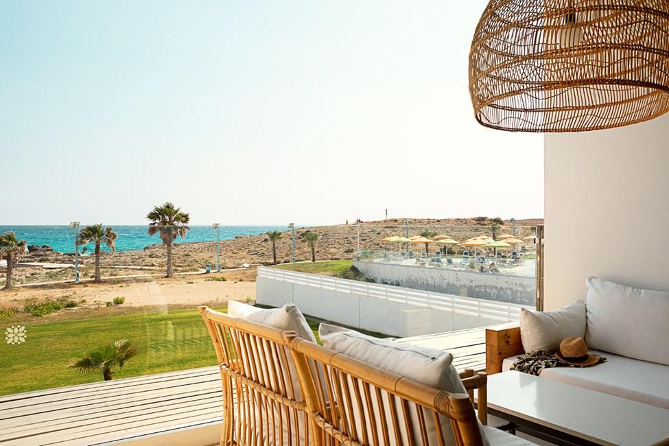 2-rums CLUB SUITE, balkong med havsutsikt närmast havet.