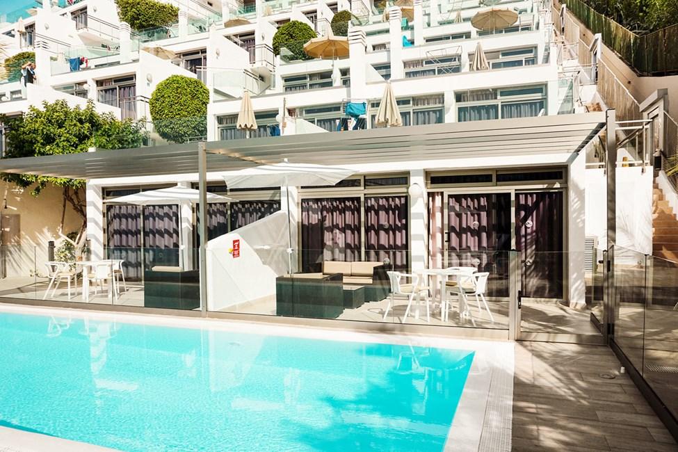 Tvårumslägenhet Club Room typ D med havsutsikt och poolaccess