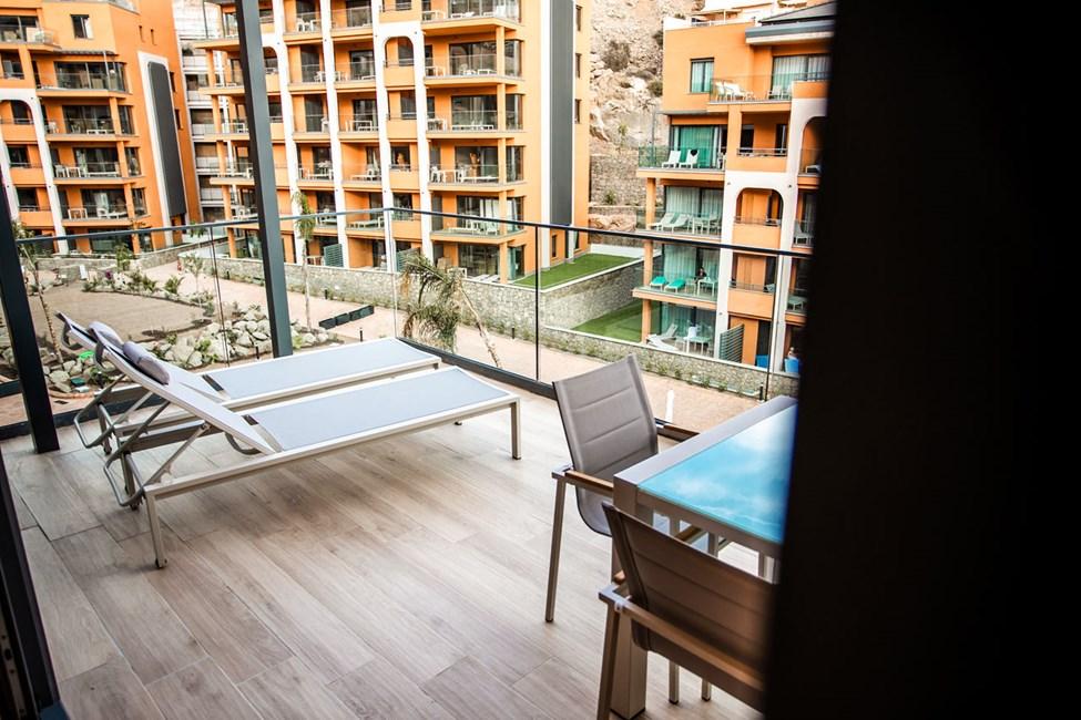 Trerumslägenhet med 4 ordinarie bäddar och balkong
