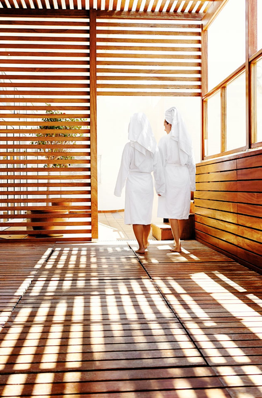 Unna dig en ljuvlig behandling i vårt spa på semestern.