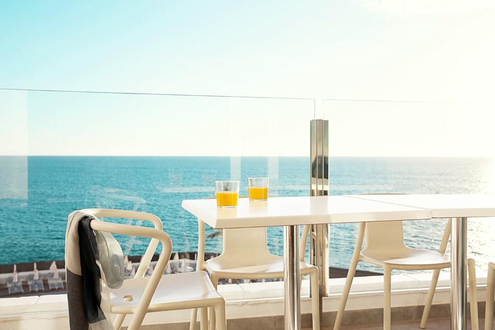 Tvårumslägenhet ROYAL LOUNGE SUITE, stor balkong med havsutsikt