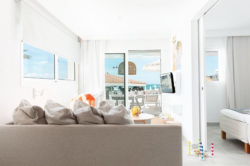 Tvårumslägenhet LOLLO & BERNIE SUITE, balkong med havsutsikt