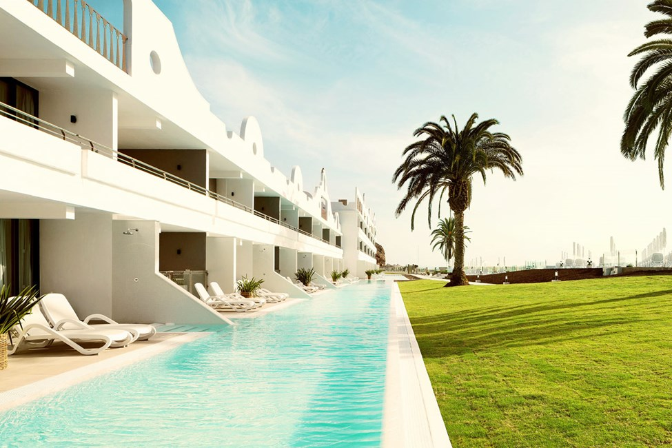 Vill du unna dig lite extra lyx kan du boka våra Club Suite med access till privat delad pool.