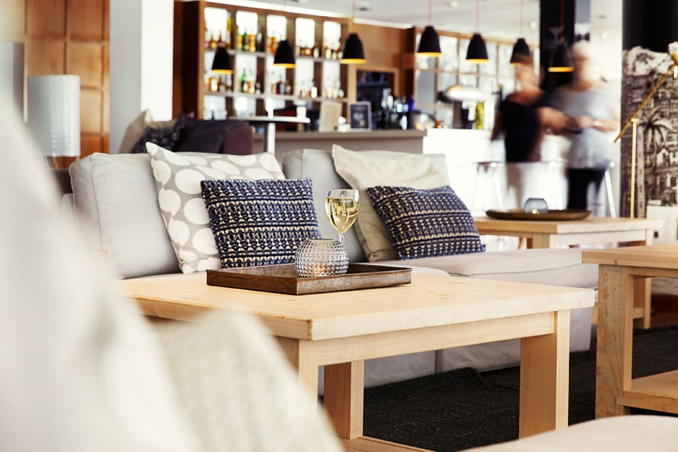 Hotellets moderna loungebar