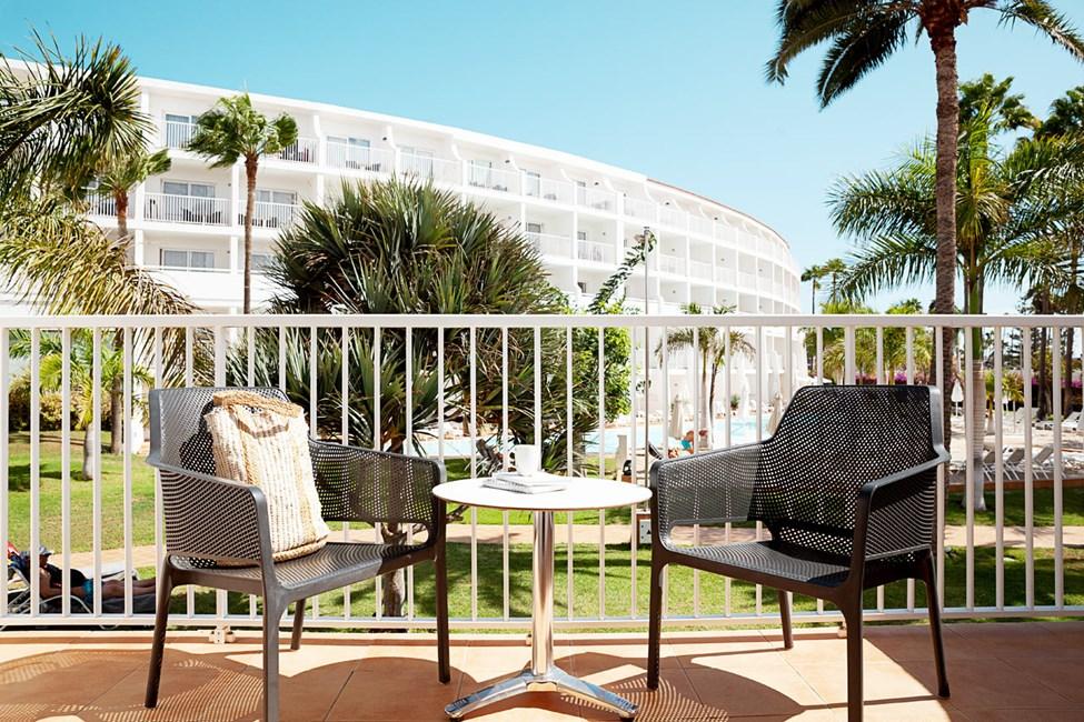 Junior Suite med balkong mot trädgården