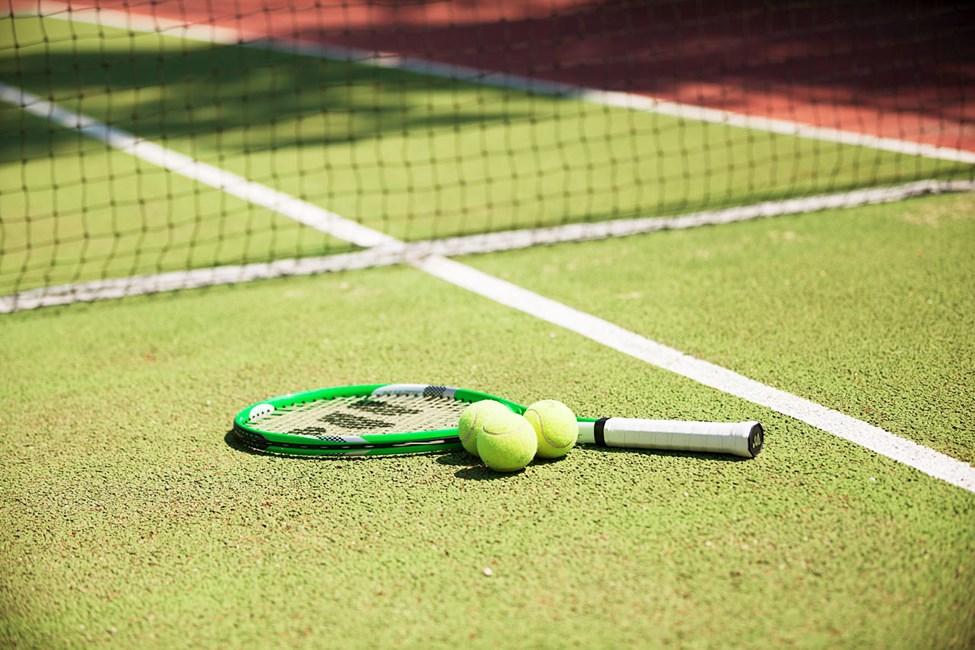Här kan du utmana gamla och nya vänner på en tennismatch.