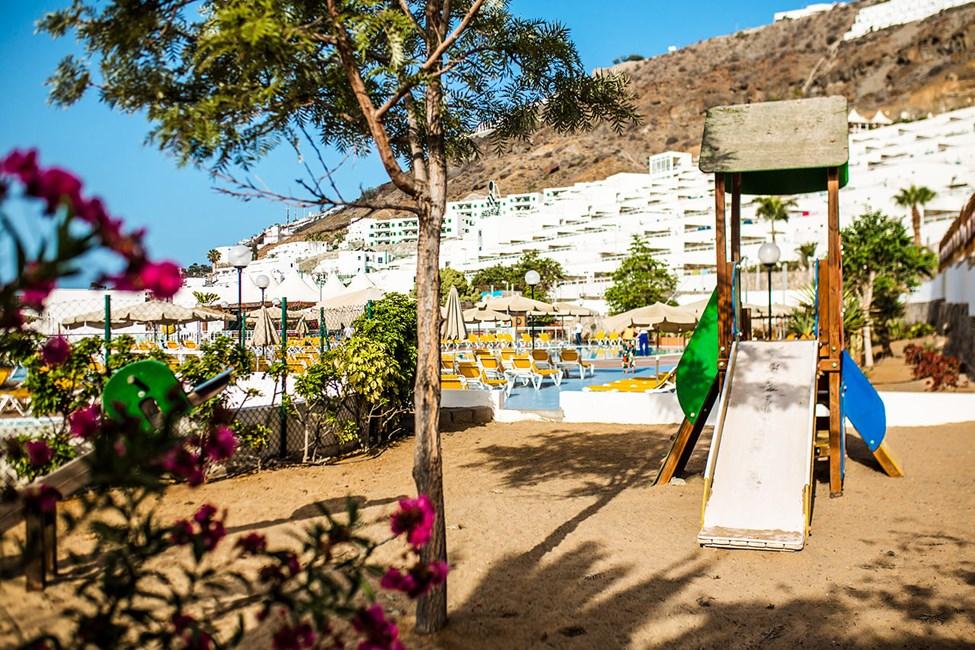 I anslutning till poolområdet på Terrazamar finns en lekplats för de yngre gästerna