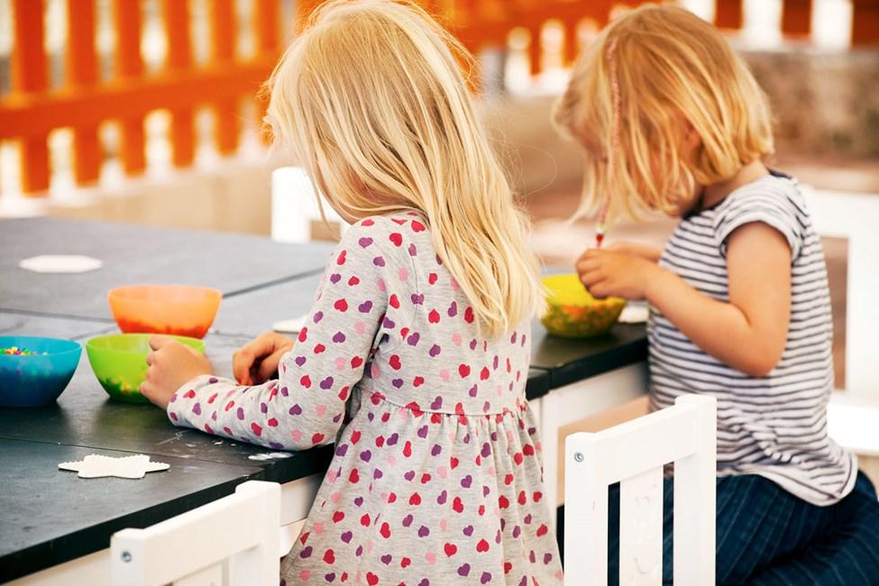 Till Lollo & Bernies MiniLand är alla barn välkomna för att leka, pyssla och titta på film.