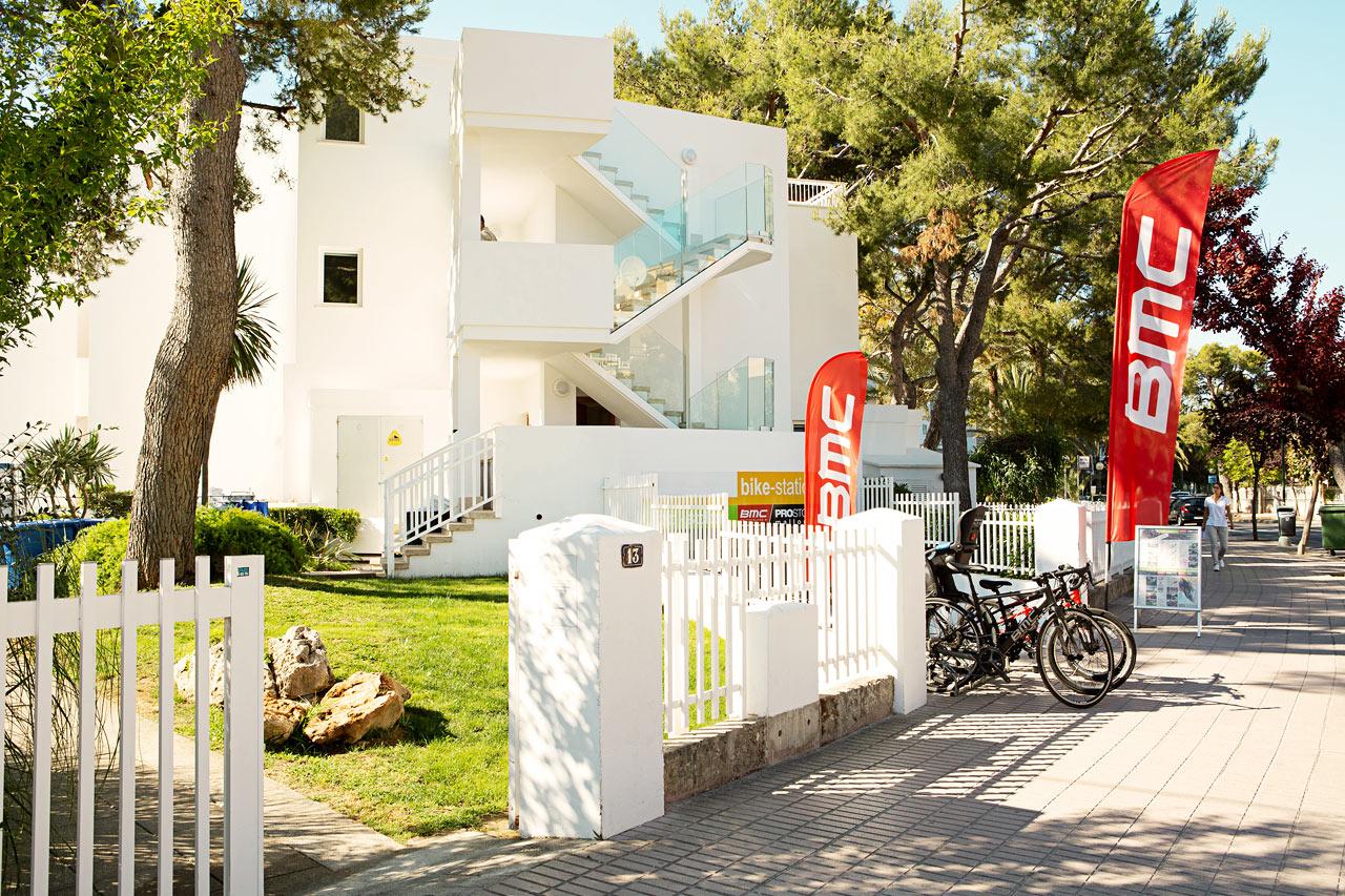 Vid Bike Station kan du hyra träningscyklar.