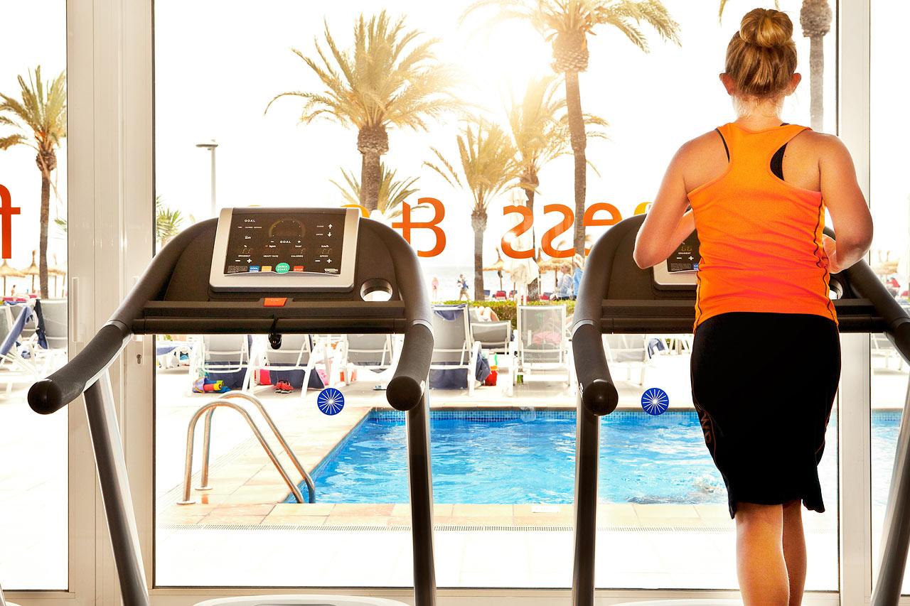 På Sunwing Alcudia Beach finns ett fräscht gym för dig som vill träna på semestern.