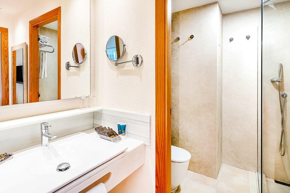 Exempel på badrum i två- och trerumslägenheterna