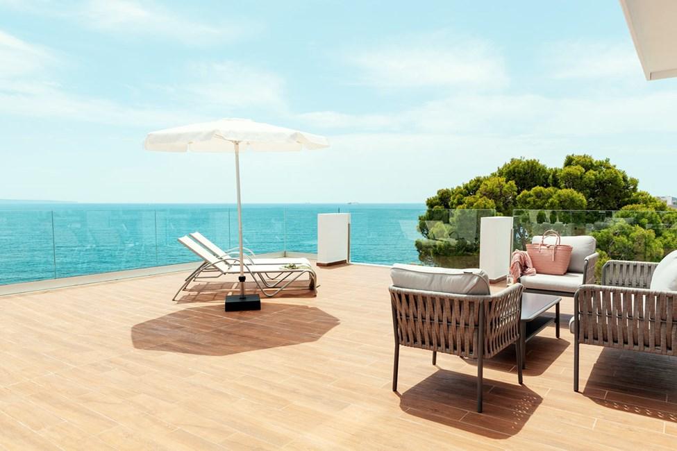 Enrumslägenhet med stor terrass - havsutsikt