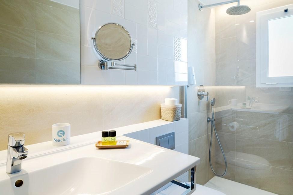 Badrummen i enrumslägenheterna och tvårumslägenheterna